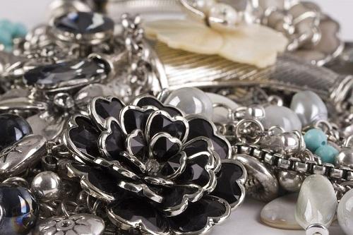 personalitate bijuterii